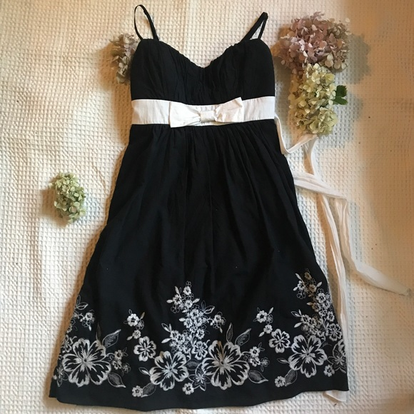 Ruby Rox Dresses & Skirts - Black and White Embroidery Dress with Bow